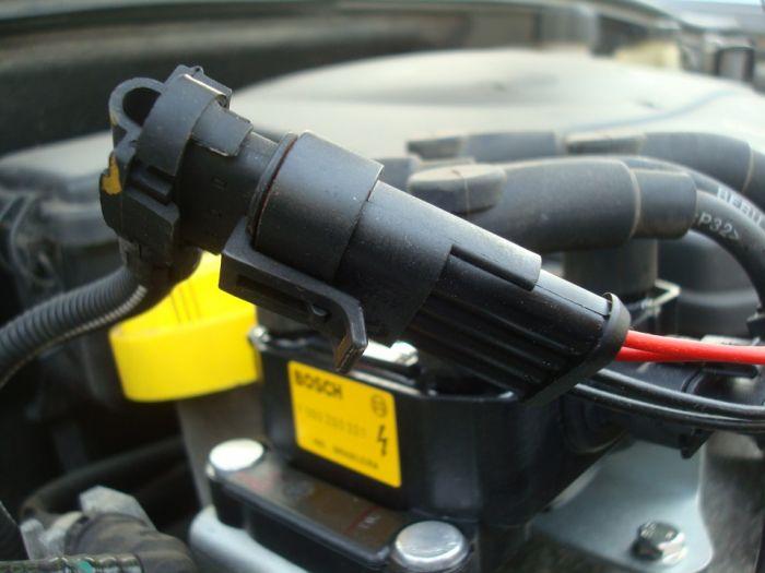 Замена катушки зажигания 8кл Логан