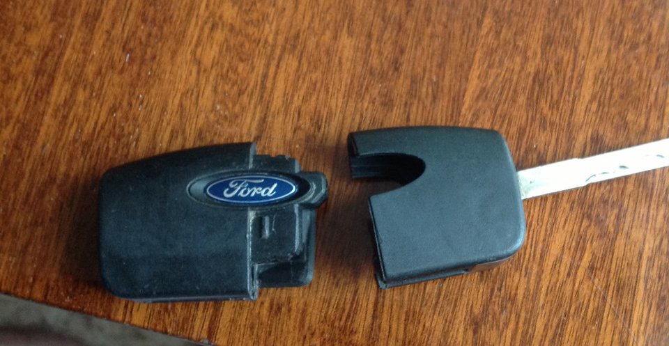 Замена батарейки в выкидном ключе