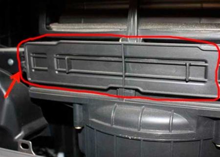 Hyundai Tucson салонный фильтр расположение