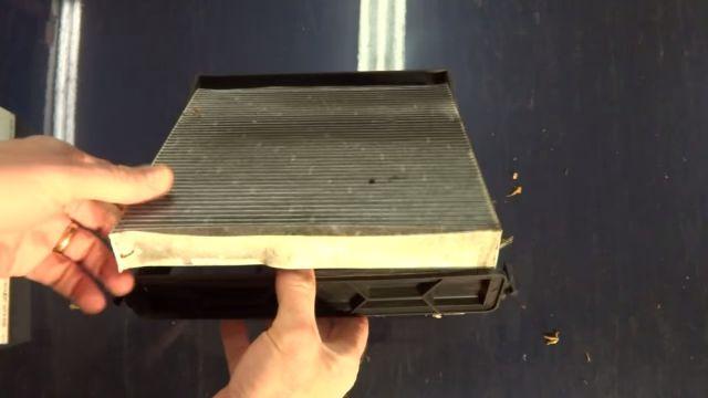 Вынимаем старый фильтр